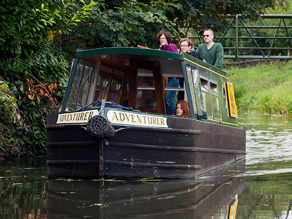 adventurer day hire boat