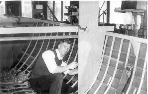 Charlie Fox building narrow boat