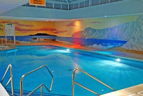 cromwell hotel pool