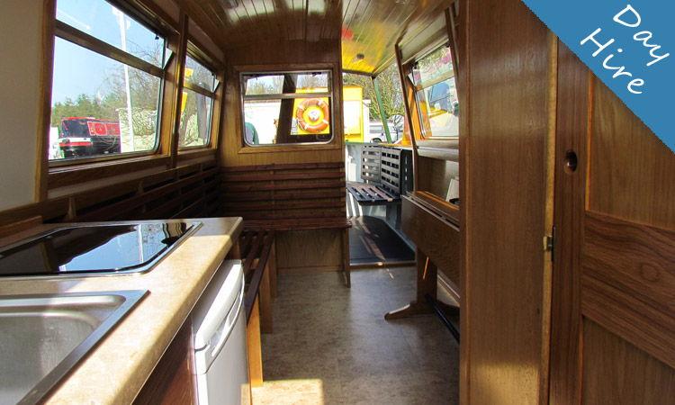 day boat hire cambridge river, narrowboat interior