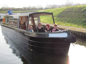 adventurer-exterior2-narrowboat-holiday