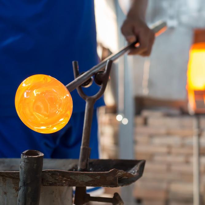 Arts Crafts Cambridge glass making