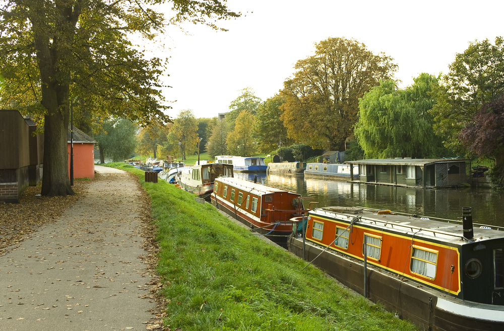 river cam canal boating
