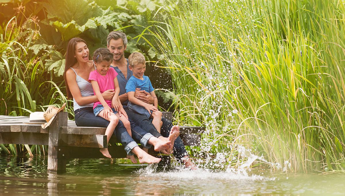 taking kids on narrowboat holiday