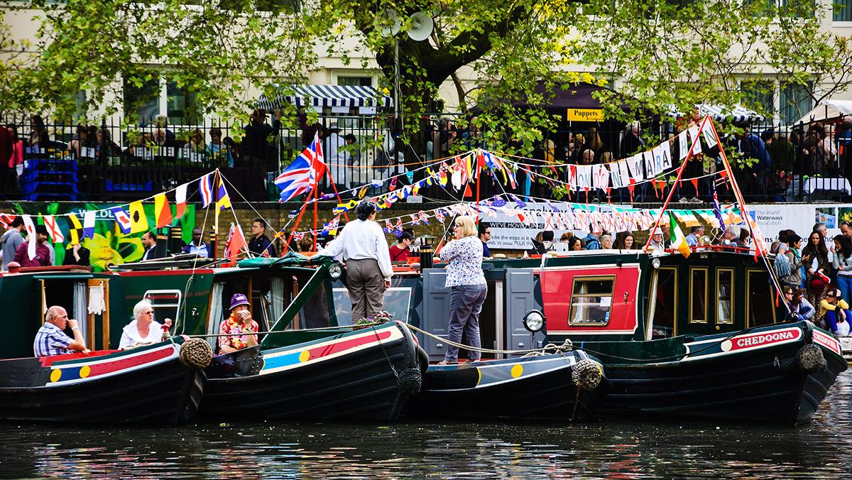 narrowboat festival IWA