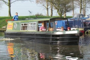 narrowboat-hire-easy-cruising