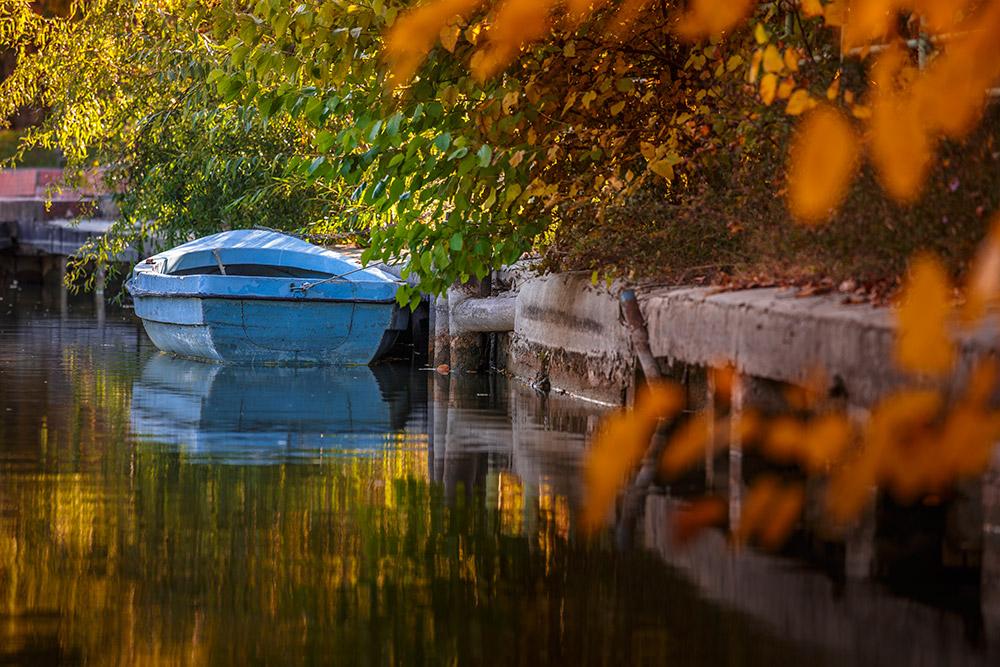 boat holiday late season