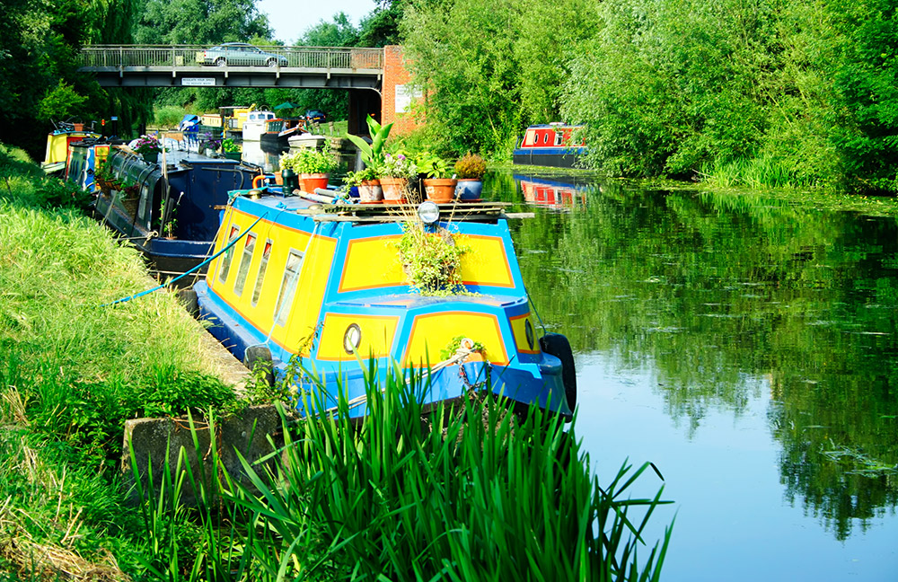 stress-free-narrowboat-holiday-cam