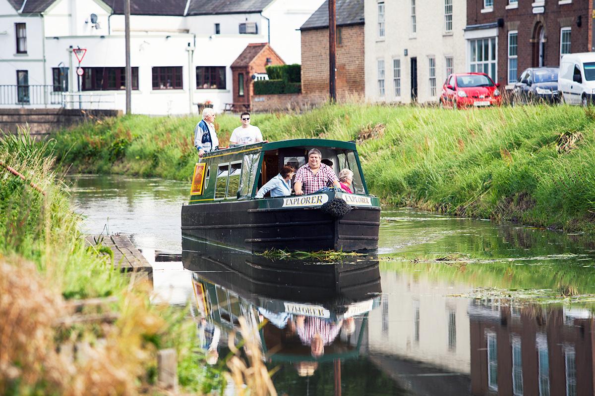 day boat hire family cambridgeshire