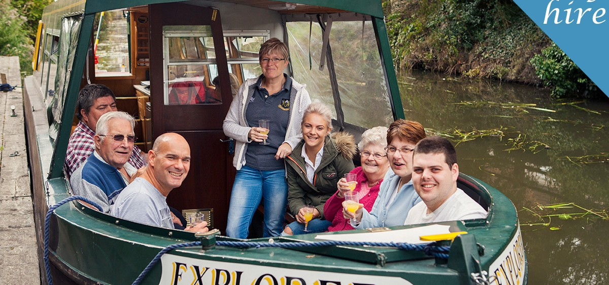 Day boat hire perfect for family & friends