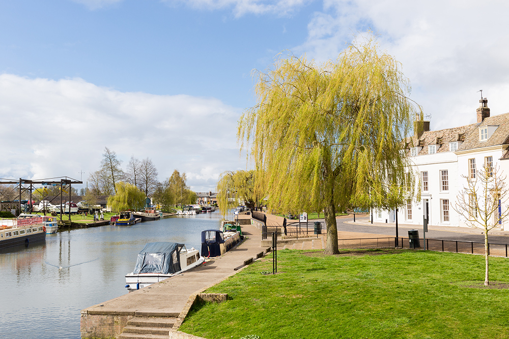 eley riverside canal boat hire