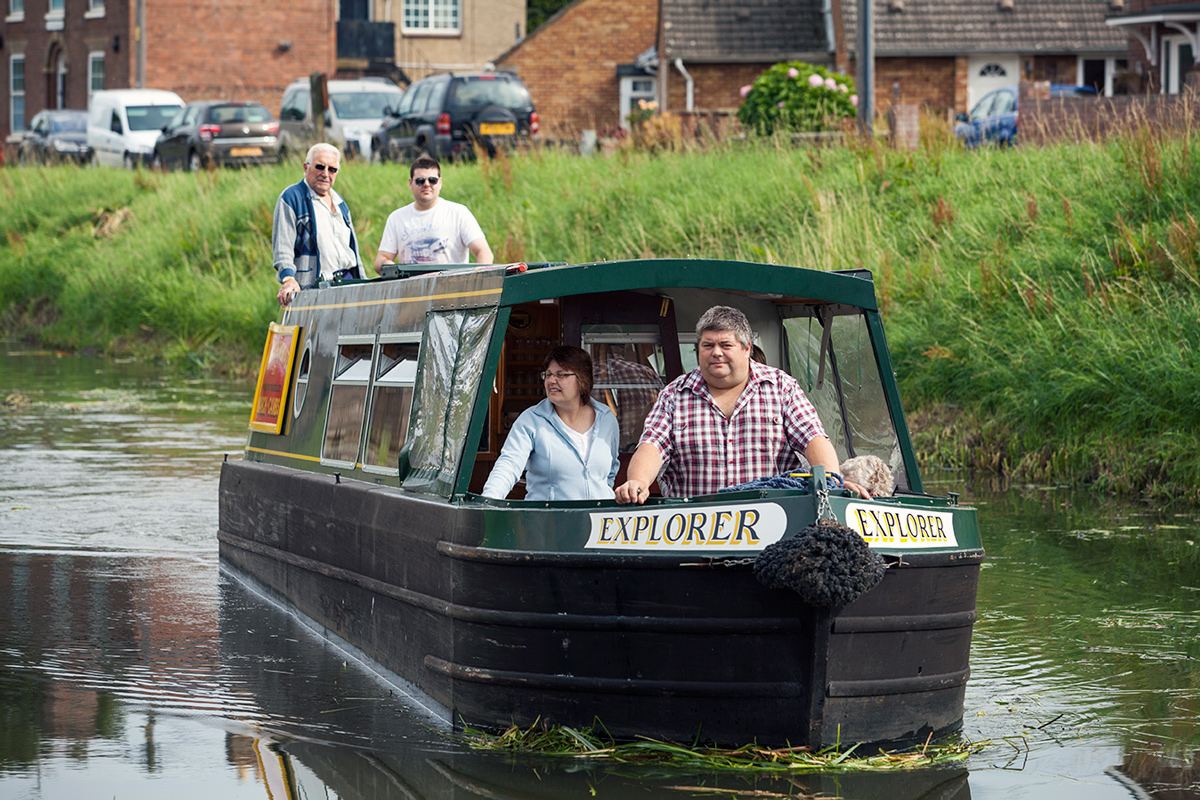 day boat hire fens river ouse nene