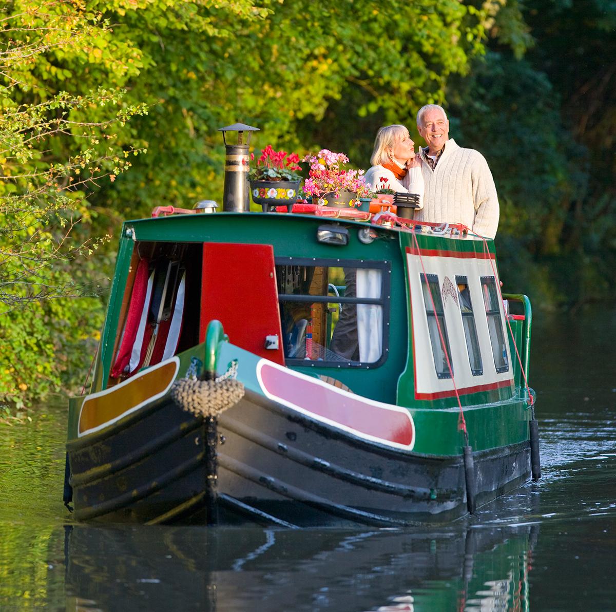 narrow boat romance peaceful holiday