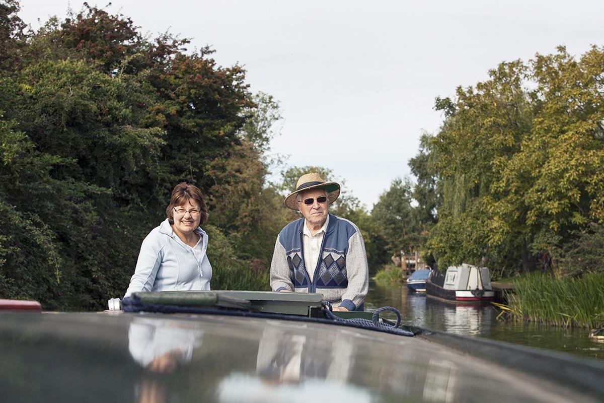 steering a narrowboat