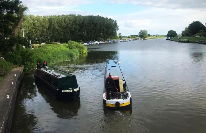 2 fox narrowboat holiday boats